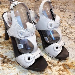 NeverWORN Escada Sport leather sandals wooden sole